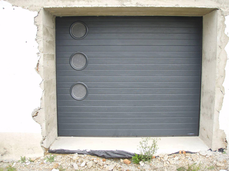 Chaumes en Retz portes de garage TJS Aluplast menuiseries
