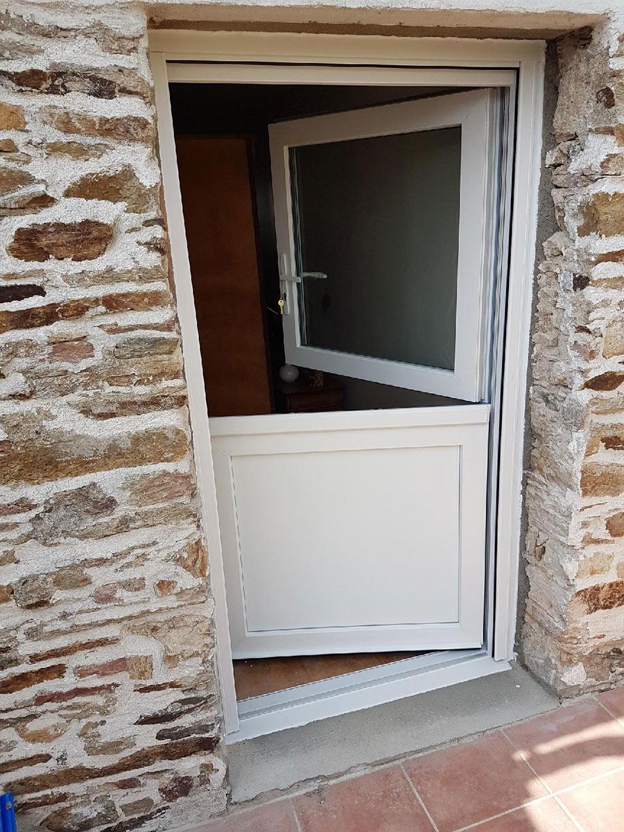 St Leger les vignes portes d'entrée TJS Aluplast menuiseries 44830